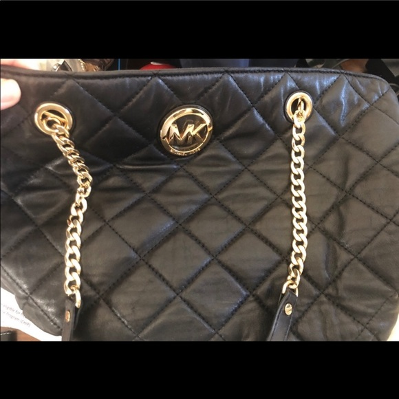 Michael Kors Handbags - Authentic Leather Quilted Michael Kors Purse